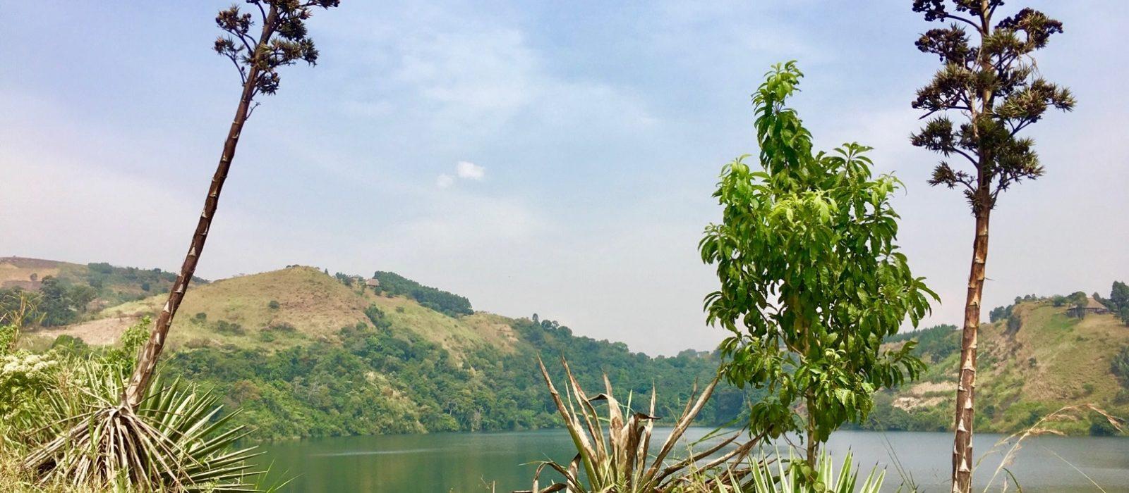 Uganda_Craterlakes3