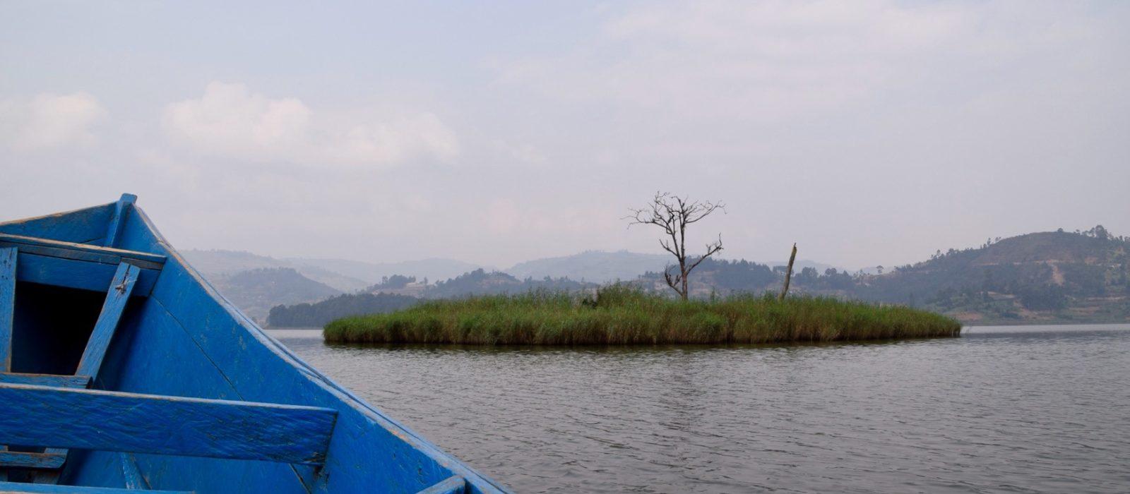 Uganda_LakeBunyonyi3