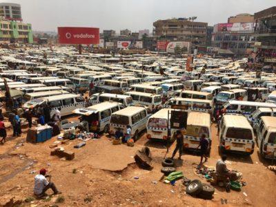 Uganda_busstation